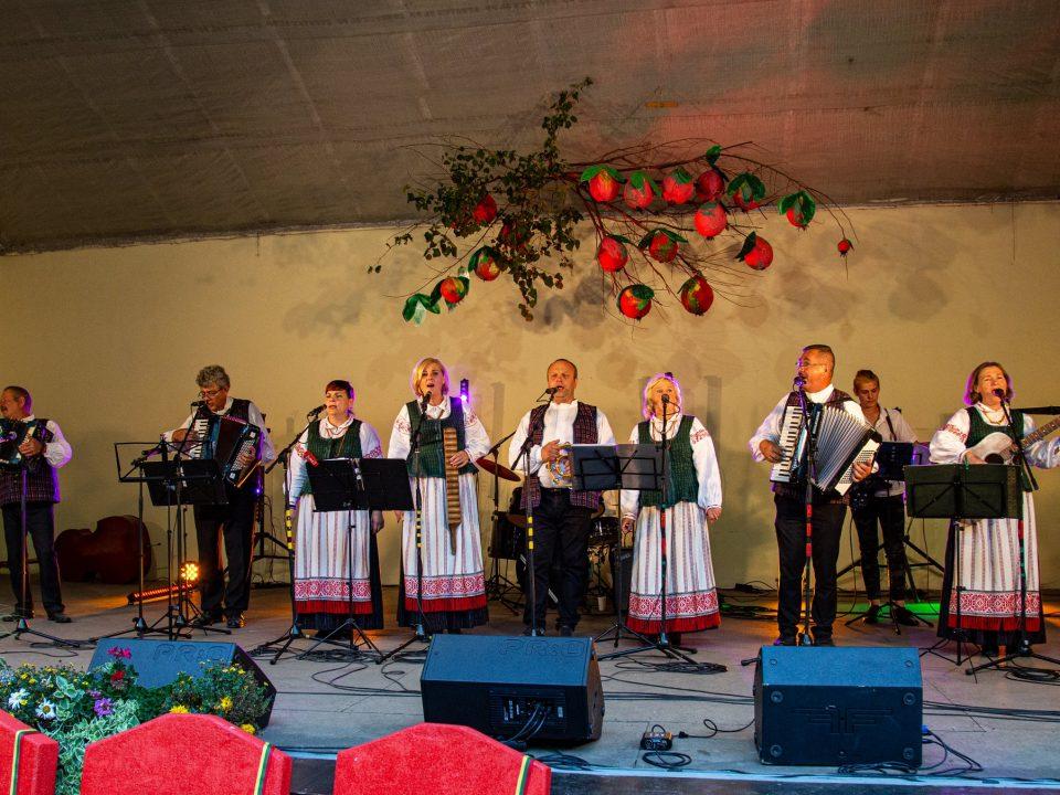 """20-asis liaudiškos muzikos kapelų festivalis """"Žolinės vainikas"""""""