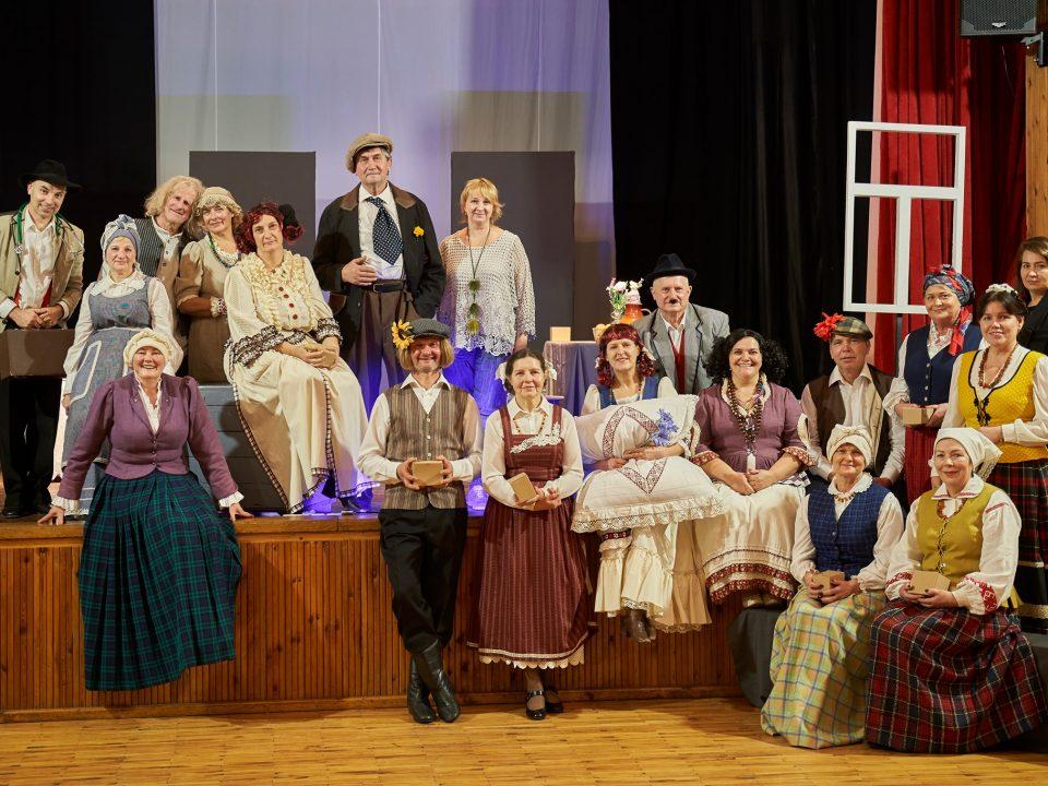 Džiaugiamės ŠKAC Alksniupių mėgėjų teatro ,,Pilnatis'' pasirodymu.